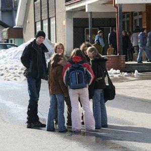 """6.3.2007  14:06 / Ďalšou etapou bola anketa v dedine. """"Amundsen bol určite elektrikár"""""""