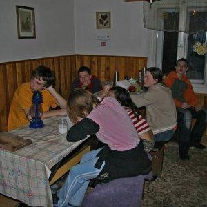 7.3.2007  22:41 / Napriek únave sa ešte po večeroch hrával Bang