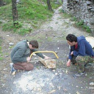 30.4.2007  12:30, autor: Amigo / Príprava nohy stolíka