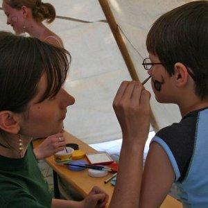 16.6.2007  15:35 / Vnútri bolo maľovanie na tvár v podaní Táni a Zuzošky