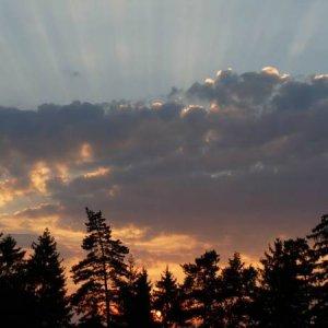 18.7.2007  20:06, autor: Amigo / Lúče slnka nad táborom