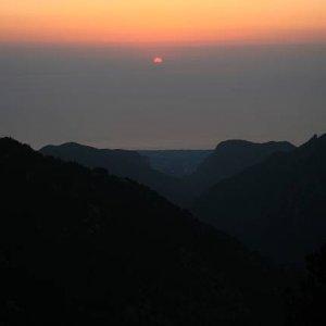 25.8.2007  5:46, autor: Teoretik / Východ Slnka nad Litochotrom z výšky 2100 m