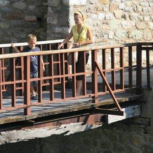 28.8.2007  9:00, autor: Teoretik / Niektoré mosty ani dnes nevyzerajú bezpečne