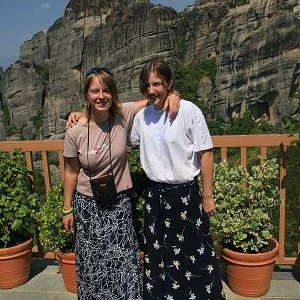 28.8.2007  11:19, autor: Teoretik / Tu sa Lucii a Gepe páčilo - mali tu kvetinkové sukne