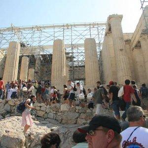 31.8.2007  10:12, autor: Teoretik / Medzi pamiatkami sa tlačili davy ľudí