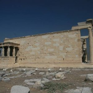 31.8.2007  10:46, autor: Teoretik / Sídlo kultu Atény, Poseidona a Erechteóna