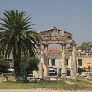 1.9.2007  12:14, autor: Teoretik / Aténina brána v Rímskej agore