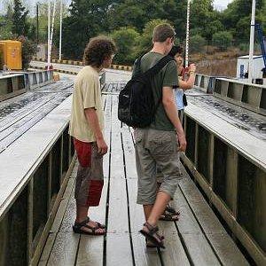 2.9.2007  17:05, autor: Teoretik / Padací most na vstupe do prieplavu