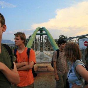 2.9.2007  18:48, autor: Teoretik / Dostali sme sa napokon až k mostu