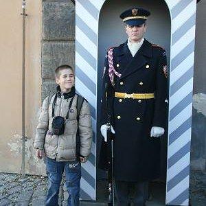 1.11.2007  15:00, autor: Teoretik / Jonáš sa dá k hradnej stráži