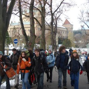 18.11.2007  11:50, autor: MartinKa / naša skupinka prechádza centrom Bojníc