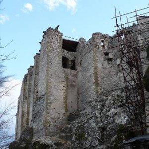 15.12.2007  14:47, autor: Amigo / Uhrovecký hrad