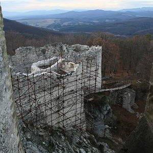 15.12.2007  15:23, autor: Teoretik / Časť rekonštrukčných prác na hrade