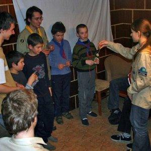 15.12.2007  23:13, autor: Teoretik / Vĺčatá pripravili darček pre Včielky