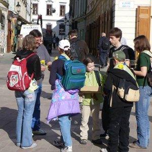 11.4.2008  7:49, autor: Amigo / Zbierame...