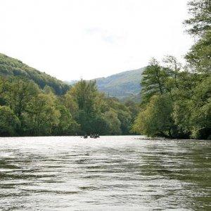 1.5.2008  16:19, autor: Teoretik / Plavba pokračuje krásnymi časťami údolia