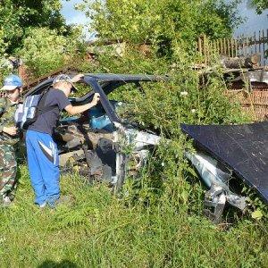 14.6.2008  17:22, autor: Amigo / Hmmm. Tým autom len tak ľahko nepohneme...