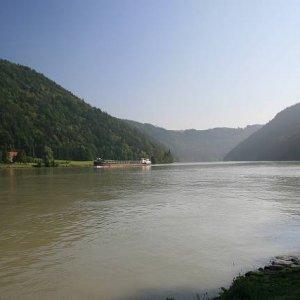 21.8.2008  9:21, autor: Teoretik / Kopce pri Dunaji pôsobia nevšedne