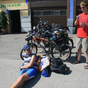 22.8.2008  14:28, autor: Teoretik / Čakáme na opravu bicykla...