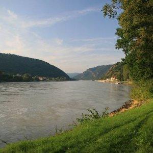 22.8.2008  18:28, autor: Teoretik / Víta nás údolie Wachau