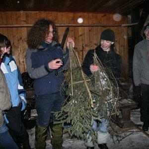 20.2.2009  19:32, autor: Teoretik / Záverečná etapa spočívala vo výrobe núdzových snežníc