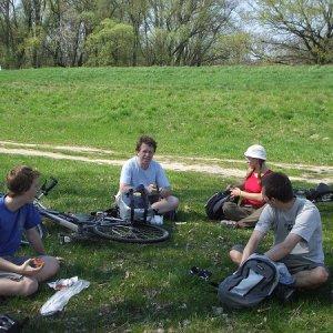 10.4.2009  13:26, autor: Double L / Tomu sa vraví piknik