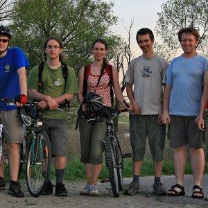10.4.2009  19:09, autor: Teoretik / Spoločné foto pred zotmením