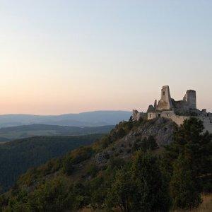 25.9.2009  18:39, autor: Ivana / Čachtický hrad nás víta
