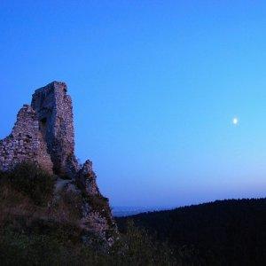 25.9.2009  19:07, autor: Ivana / Večerná nálada na hrade