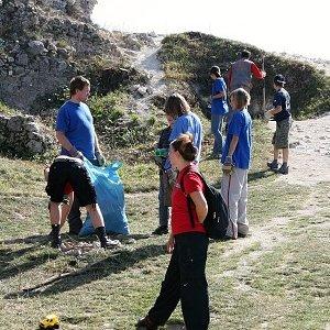 26.9.2009  12:27, autor: Zuzka / Zbierame smeti aj kamene
