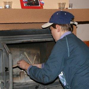 1.11.2009  12:39, autor: Teoretik / Chystanie dreva do krbu