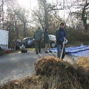 14.11.2009  10:10, autor: Zuzka / Pokosená tráva sa dávala na veľkú plachtu