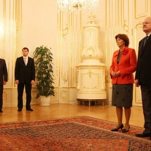 Slávnostné odovzdanie Betlehemského svetla prezidentovi SR (13.12.2009)