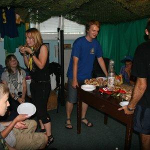 29.7.2010 18:56 / Lucia pripravila privítacie občerstvenie (Lucia prepared welcome snack)