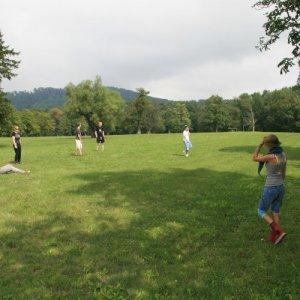 31.7.2010 11:01 / Frisbee pri hrade Červený Kameň (Frisbee close to Red Stone castle)