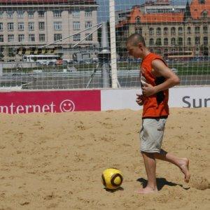 1.8.2010 13:32, autor: Teoretik / Plážový futbal pri Dunaji (Beach soccer near Danube River)