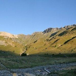 11.8.2011 7:39, autor: Teoretik / Ráno vo Valle de Otal, ktoré sme premenovali na údolie kráv