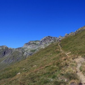 11.8.2011 12:50, autor: Teoretik / Stúpame opäť až do 2327 m