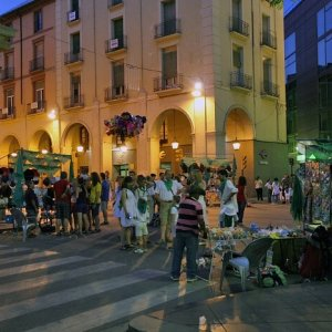 12.8.2011 21:22, autor: Teoretik / Biela košeľa + zelená šatka bola symbolom osláv