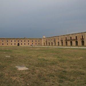 14.8.2011 16:55, autor: Teoretik / Nádvorie najväčšej pevnosti v Európe