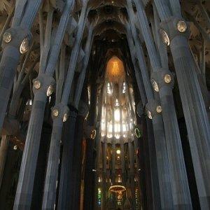 20.8.2011 19:15 / Interiér v Sagrada Familia je skutočne impozantný
