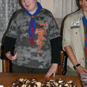 17.12.2011 22:18, autor: Teoretik / Andrej s víťazným koláčom