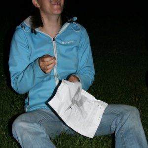 19.5.2012 22:33 / Smajlík našla záľubu v šití gombíkov
