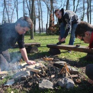 1.3.2014 10:51, autor: Teoretik / Zakladanie ohňa bolo kupodivu veľkým problémom