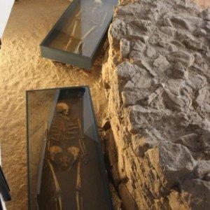 30.10.2014 13:47, autor: Lucia / Pozostatky muža a ženy, ktoré sa tu našli