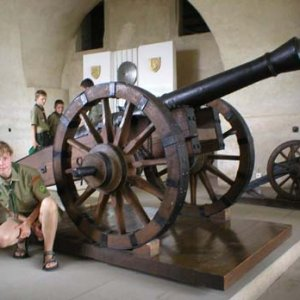 Na Spišskom hrade je aj múzeum s rôznou bojovou tech