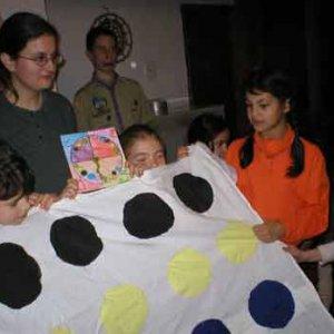 Darček včielok - hra Twister
