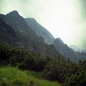 Vrcholky hôr nad Zeleným plesom