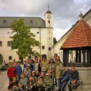 Všetci brigádnici po nedeľnej prehliadke hradu