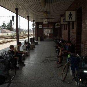 14.4.2003  7:48 / Čakanie na stanici